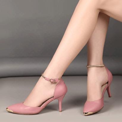 Giày cao gót màu hồng da