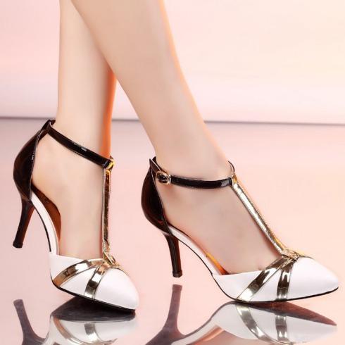Giày cao gót quai