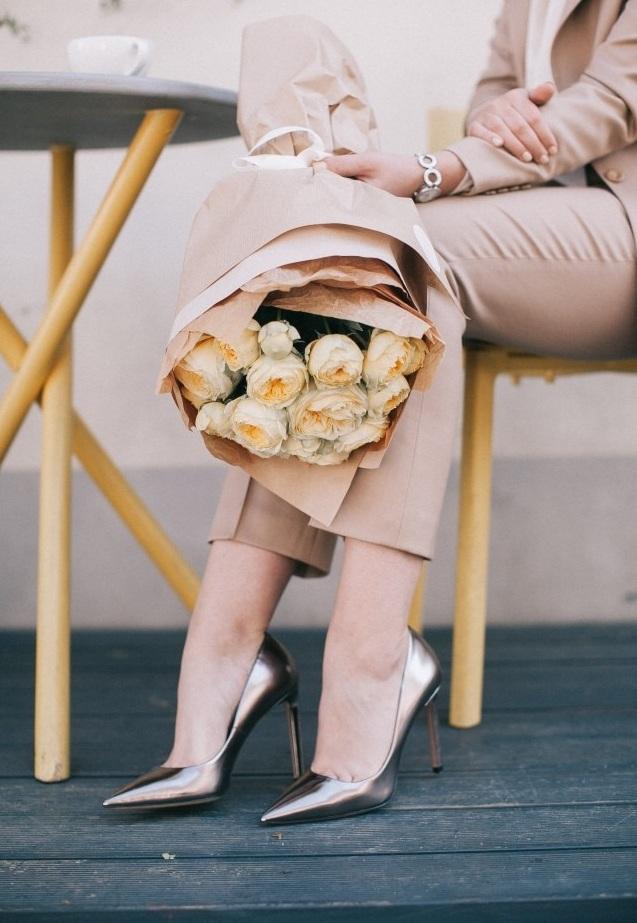 Giày cao gót màu bạc